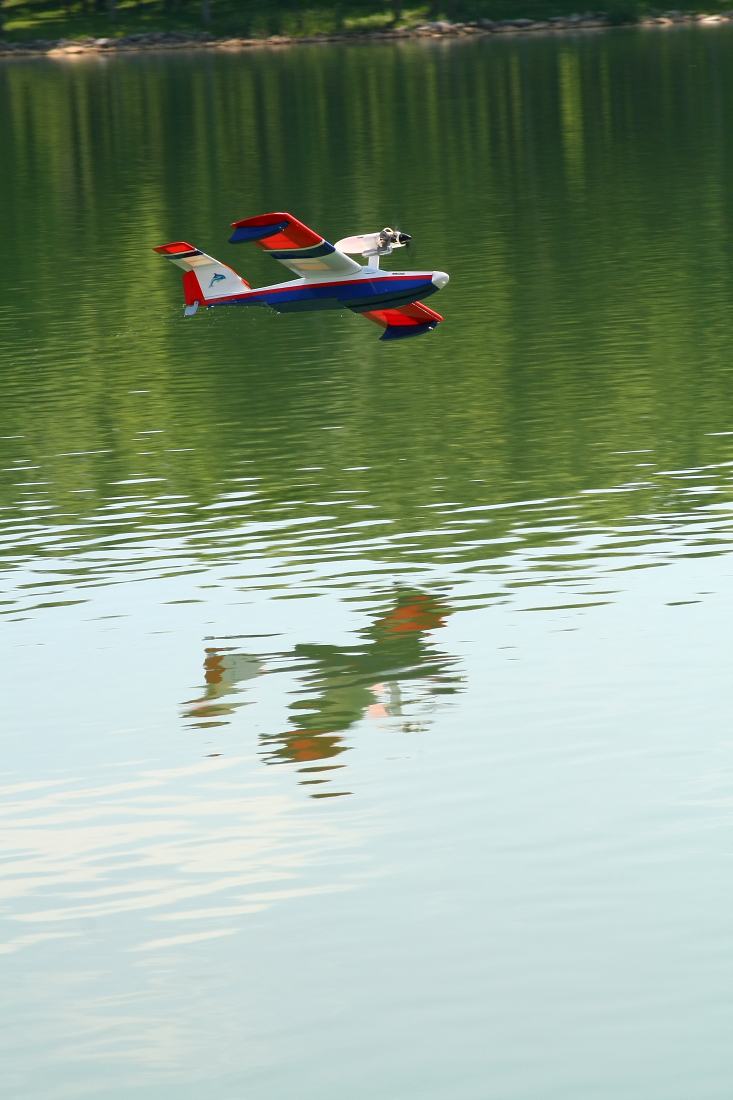 float-fly-20090070