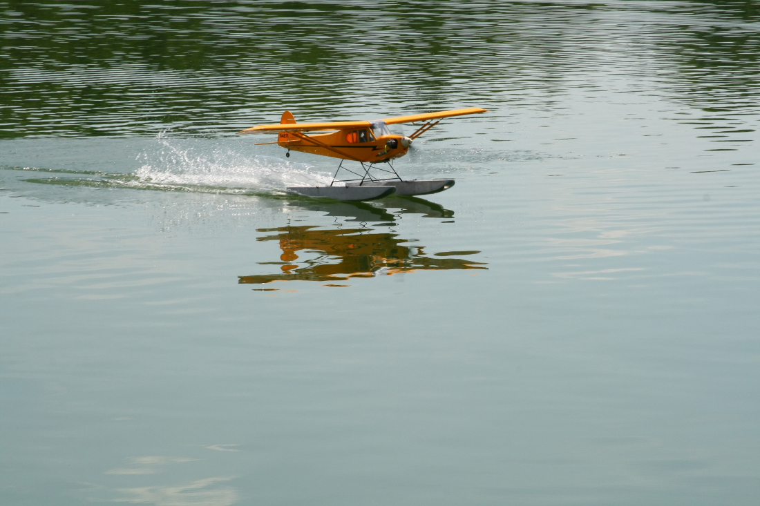 float-fly-20090110