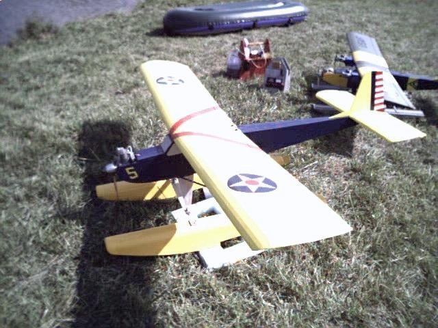 floatfly015